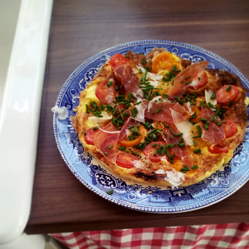 Cherry tomato and Serrano ham omelette